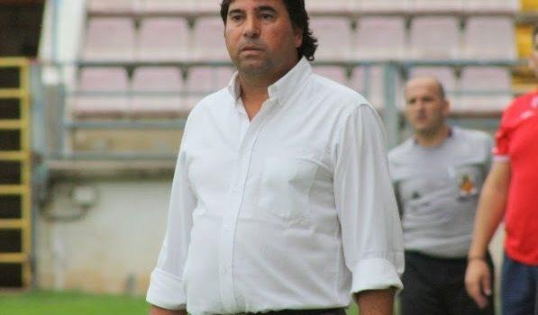 """Adolfo Muñoz:"""" Tenemos la obligación de ganar y representar a este club"""""""